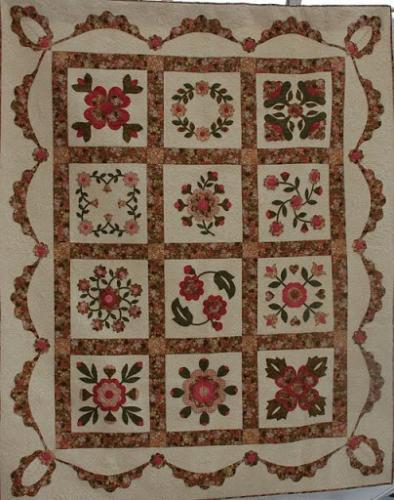This stunning qult by Audrey Woods is called Wentowrth to Baltimore and was part of the Baltimore Beauty CHallenge at Sandown several years ago. It is densely custom quilted freehand