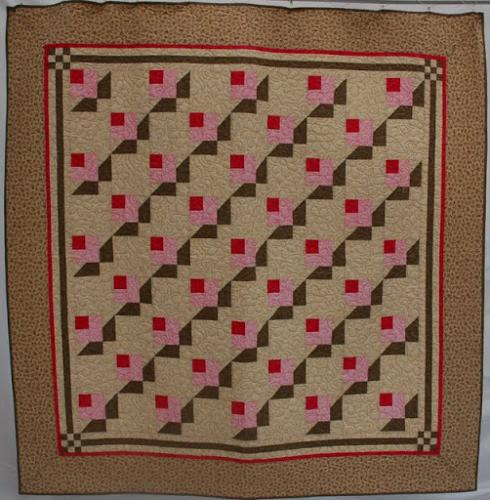 Rosebud quilt by Audrey Woods quilted with Daisy Swirl